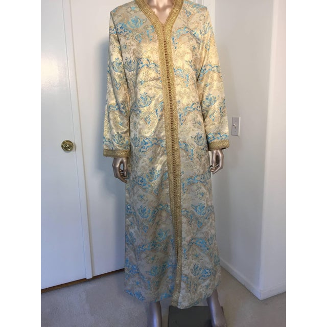 Blue Moroccan Turquoise and Gold Brocade Kaftan Size Medium For Sale - Image 8 of 9