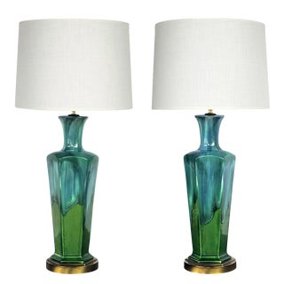 Stylish Pair of Mid-Century Modern Blue and Green Drip-Glaze Hexagonal Lamps For Sale