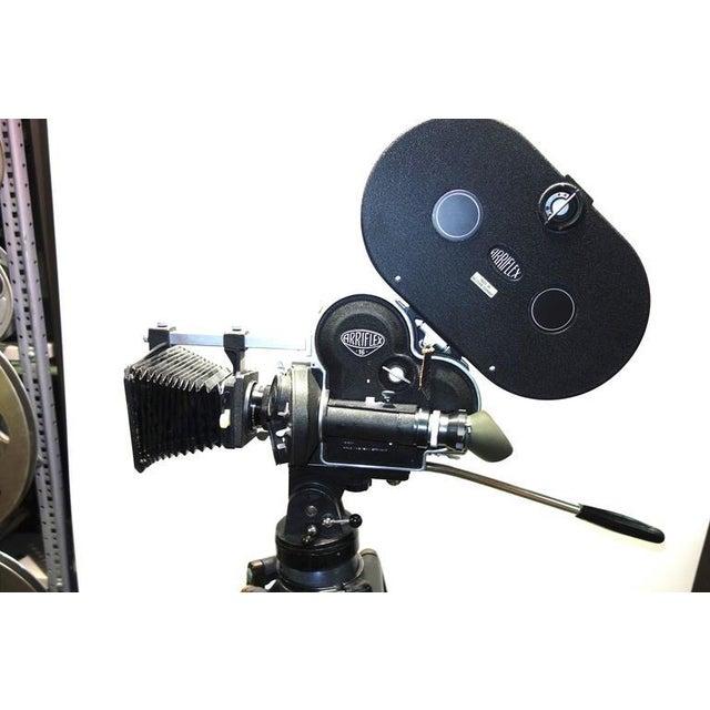 Black Arriflex Model 16ST Cinema Camera Complete & Working Circa 1950 As Sculpture For Sale - Image 8 of 10