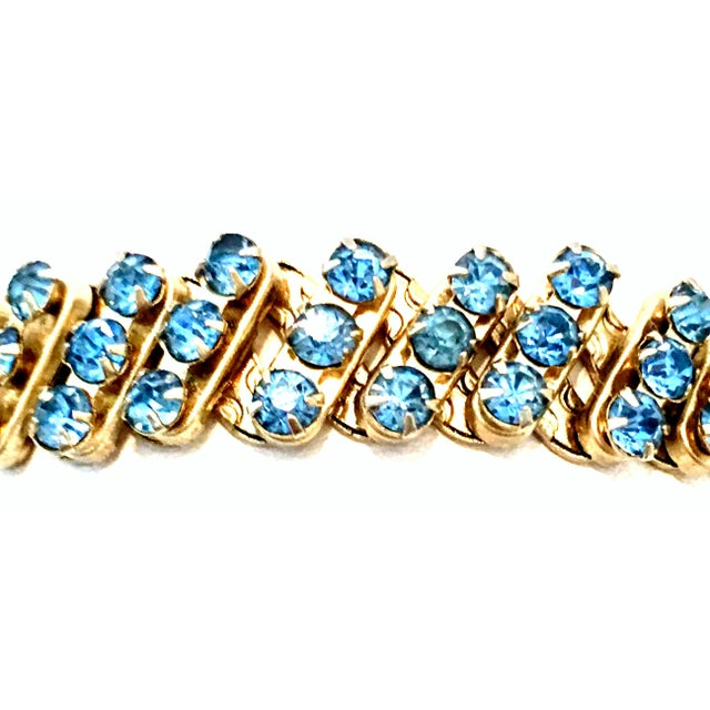 Crystal 1960's Gold & Sapphire Blue Crystal Rhinestone Expansion Link Bracelet For Sale - Image 7 of 9