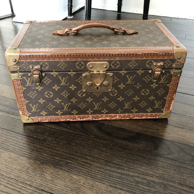 1980s French Louis Vuitton Canvas and Leather Train Case For Sale - Image 12 of 12