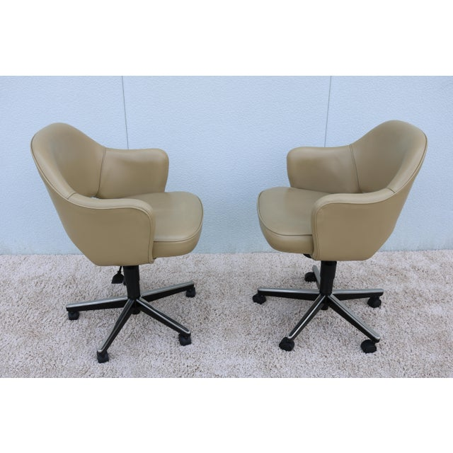 Knoll Beige Leather Knoll Eero Saarinen Executive Arm Chair For Sale - Image 4 of 13