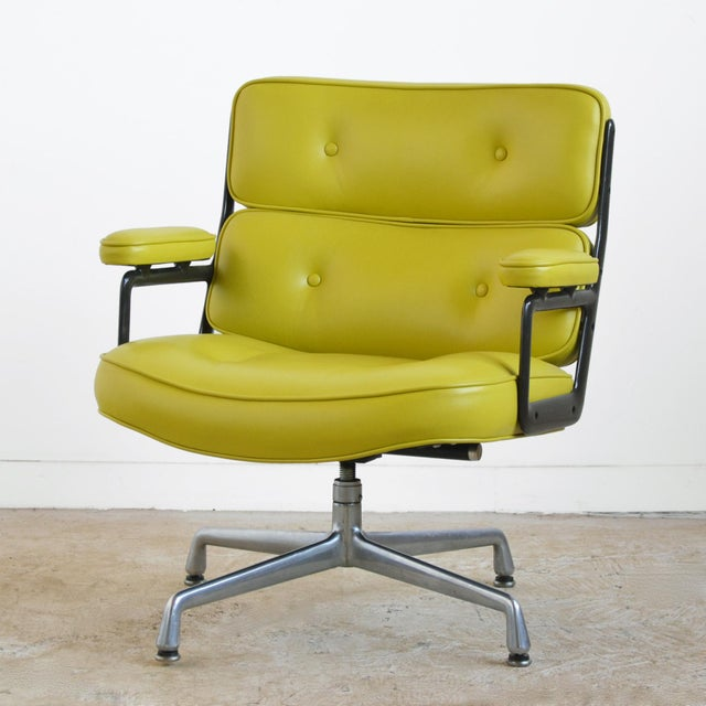 Herman Miller Eames Time-Life Chair with Green Leather by Herman Miller For Sale - Image 4 of 10