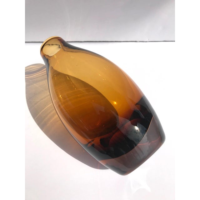 Murano Glass Sommerso Vintage 1970s Scandinavian Modern Sommerso Glass Vase in Amber For Sale - Image 4 of 13