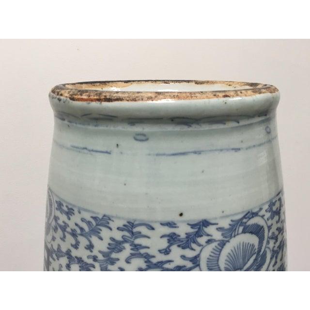Ceramic 19th Century Chinese Blue & White Large Vase For Sale - Image 7 of 9