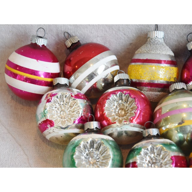 Retro Midcentury Colorful Christmas Tree Ornaments W/Box - Set of 12 For Sale In Los Angeles - Image 6 of 10