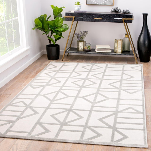 2010s Jaipur Living Cannon Geometric White/ Silver Area Rug - 7′6″ × 9′6″ For Sale - Image 5 of 6