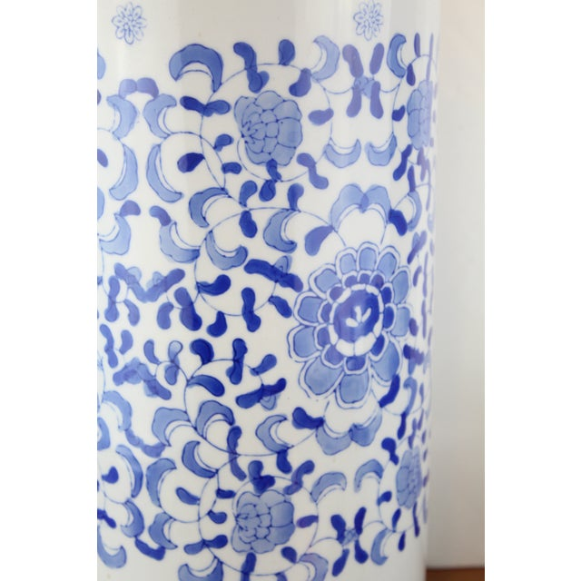 Mid 20th Century Vintage Chinese Cylindrical Urn For Sale - Image 5 of 6