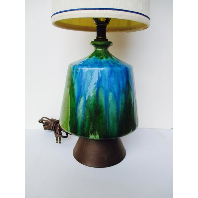 Mid-Century Modern Turquoise Ceramic Table Lamp - Image 4 of 11