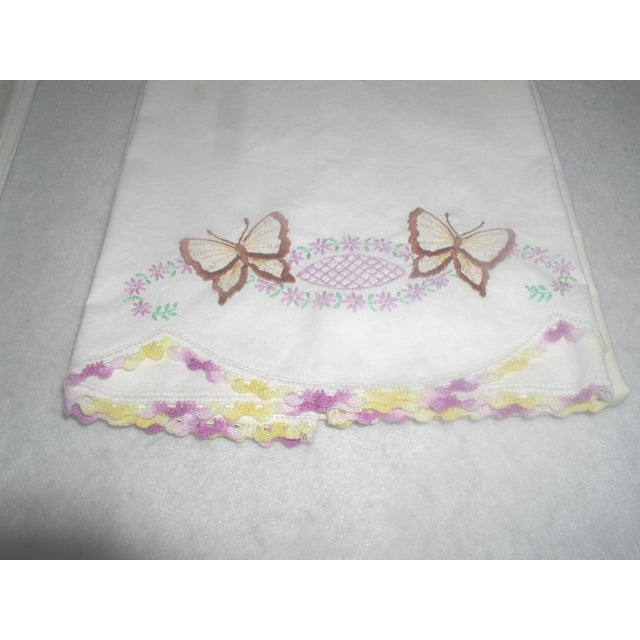 Hand Embroidered Pillow Cases 1940s - A Pair - Image 3 of 7