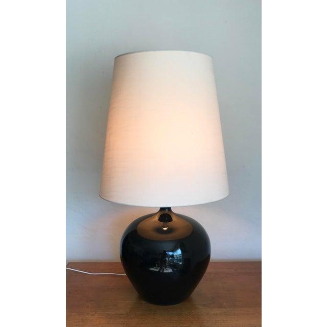 Beautiful monumental table lamp. Original shade included.
