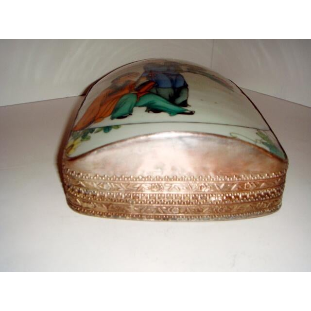 Chinese 18th Century Large Chinese Shard Porcelain Silver Plate Box, Top Lid Opens For Sale - Image 3 of 7