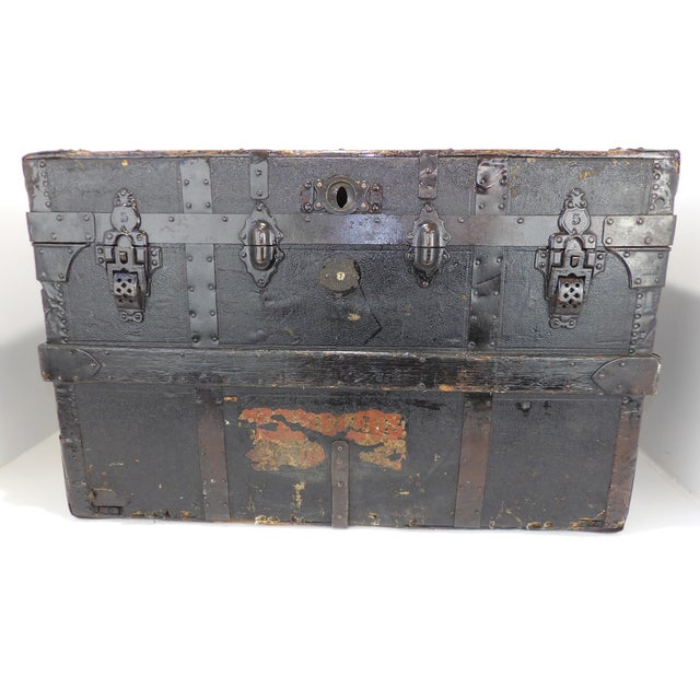 Late 19th Century Antique Crouch & Fitzgerald Coffee Table/Steamer Trunk For Sale - Image 9 of 11
