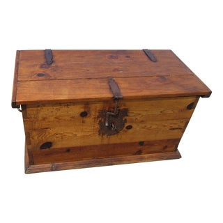 19th Century Antique Dove Tailed Pine Blanket Chest For Sale