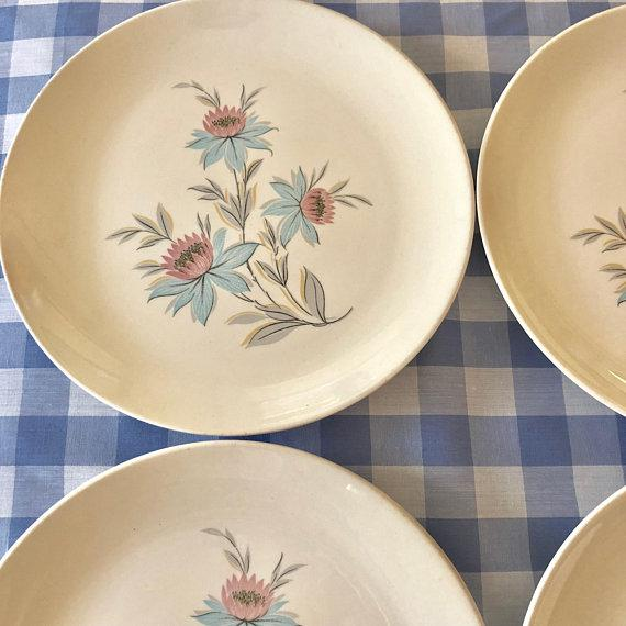 Mid-Century Modern Pink & Blue Floral Plates - Set of 8 For Sale In New York - Image 6 of 11