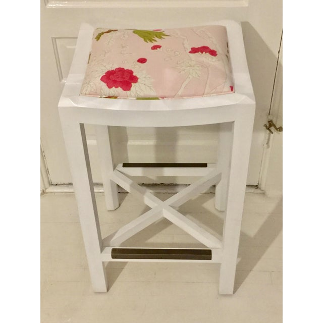 Lee Industries White Maple & Pink Floral Fabric Bar Stool For Sale In Denver - Image 6 of 6