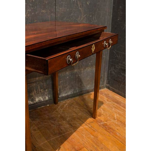 Traditional 19th Century English Traditional Mahogany Side Table For Sale - Image 3 of 5