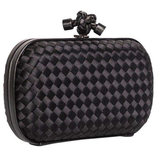 Leather 2000s Bottega Veneta Black Intrecciato Satin Leather Knot Clutch For Sale - Image 7 of 7