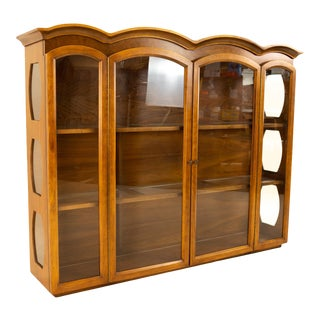 Young Manufacturing Mid Century Walnut China Cabinet Hutch For Sale
