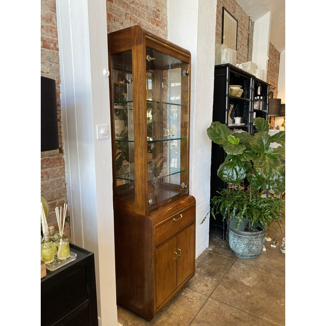 Mid-Century Modern Thomasville Oak and Brass Light Up Display Cabinet For Sale - Image 3 of 12