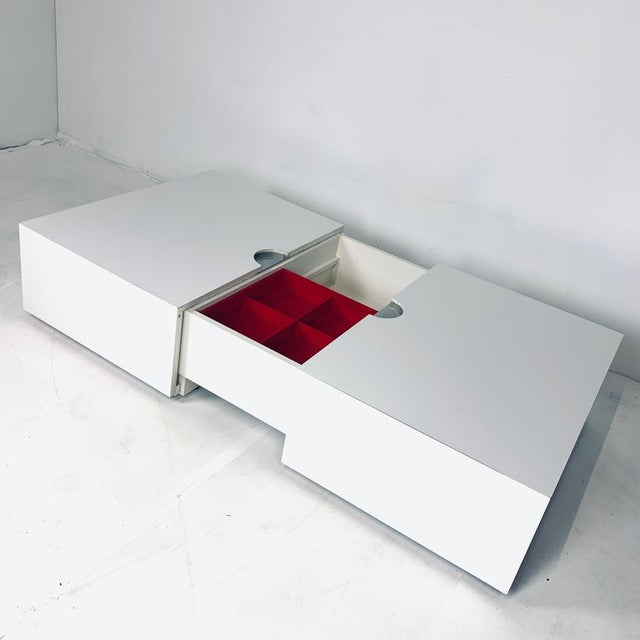 Op-Art Pop White & Stainless Convertible Storage Bar / Coffee Table For Sale In New York - Image 6 of 11