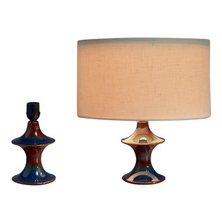 Pair of blue ceramic diabolo shaped table lamps by Soholm, Denmark For Sale
