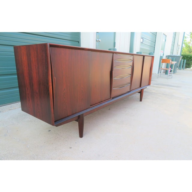 1960s Mid-Century Modern Rosewood Vodder or Omann Style Sideboard For Sale - Image 4 of 8
