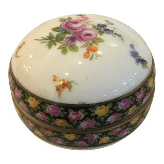 1960s Boho Chic Small Round Floral Porcelain Box For Sale