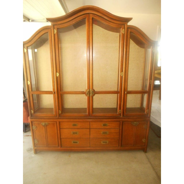 Hickory Mfg. Co. Lighted 2 Piece China Cabinet - Image 4 of 9