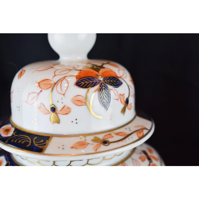 19th Century English Traditional Imari-Style Lamps - a Pair For Sale - Image 4 of 6
