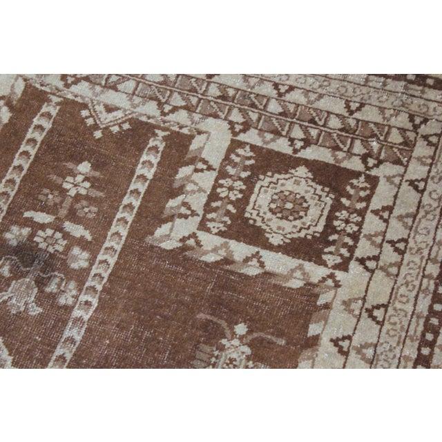 "Asian Vintage Handmade Agra Rug-4'6'x6"" For Sale - Image 3 of 5"