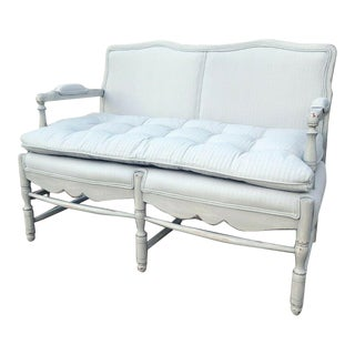 Vintage French Style Farmhouse Gray Chalk Painted Fabric & Distressed Wood Settee For Sale