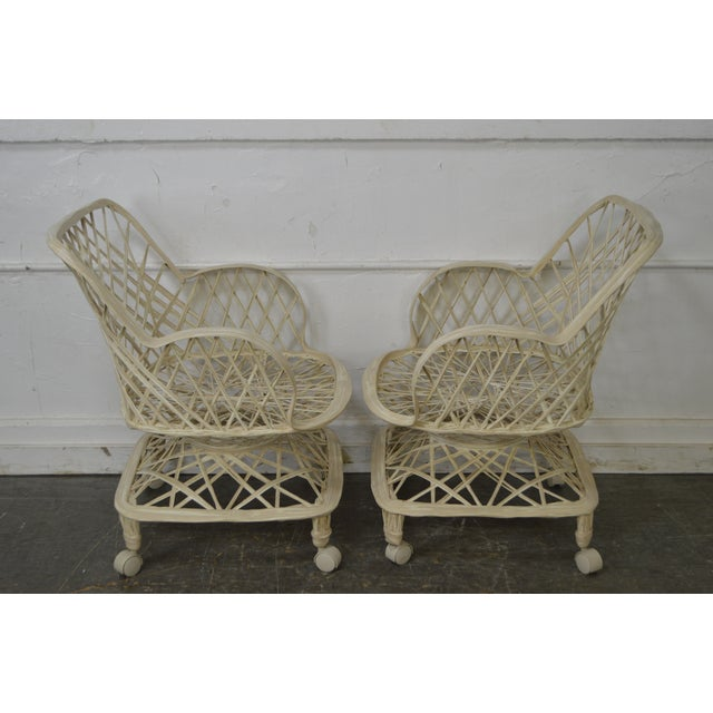 Mid-Century Modern Russell Woodard Spun Fiberglass Table & Chairs - Set of 5 For Sale - Image 3 of 11