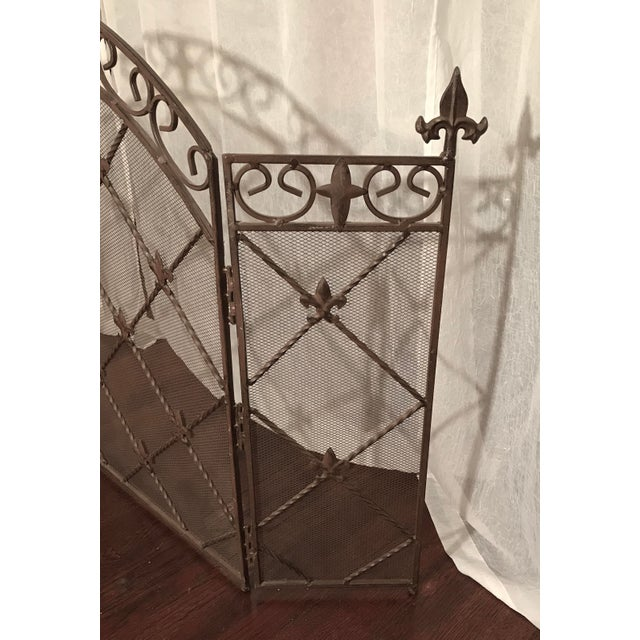 French Provincial Antique French Wrought Iron Arched Fleur De Lis Folding Three Panel Fireplace Screen For Sale - Image 3 of 9