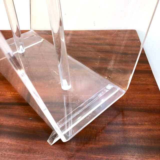 Vintage Mid-Century Modern Lucite Magazine Rack For Sale In New York - Image 6 of 8