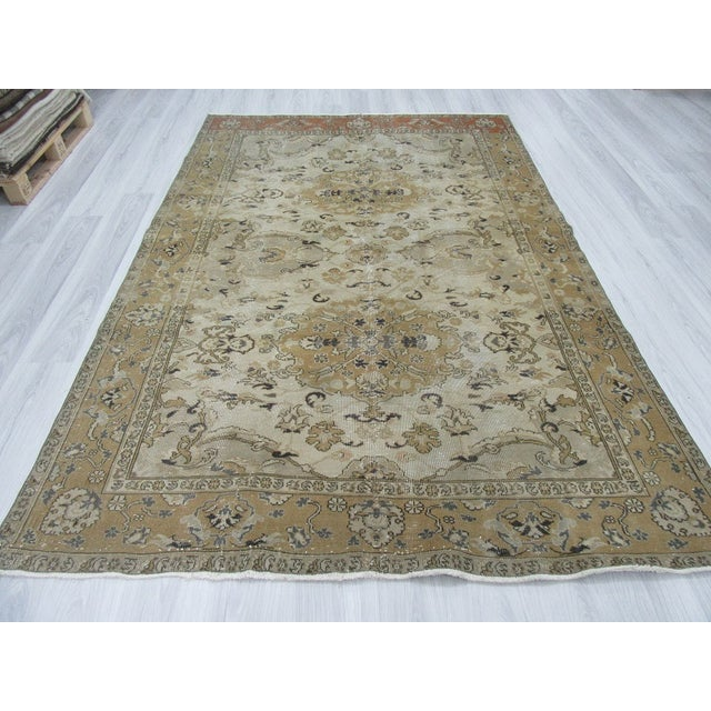 "Vintage Hand Knotted Turkish Area Rug - 6'5"" X 9'10"" - Image 3 of 6"