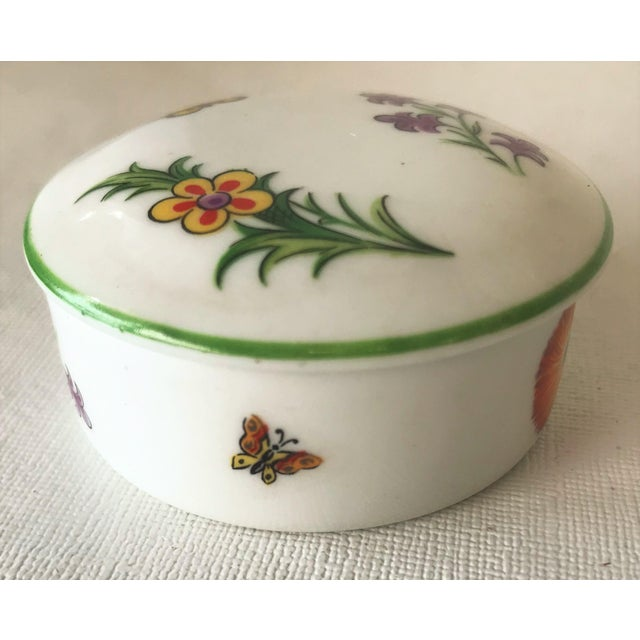 White Tiffany & Co. Limoges Hand Painted Porcelain Trinket Box For Sale - Image 8 of 9