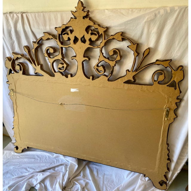 1970s Vintage Chinoiserie Gold Giltwood Carved Mirror With Floral Design For Sale - Image 5 of 7
