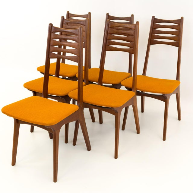 Mid-Century Modern Vintage Mid Century Teak Bow Tie Ladderback Dining Chairs- Set of 6 For Sale - Image 3 of 12