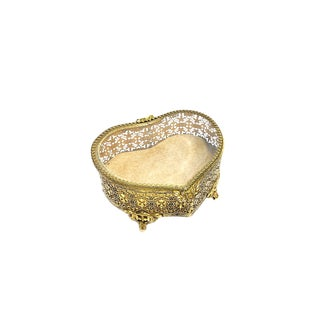 1959s Hollywood Regency Heart Shaped Glamorous Filigree Footed Brass Jewelry Box For Sale
