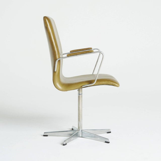 Arne Jacobsen Leather Oxford Chair - Image 5 of 11
