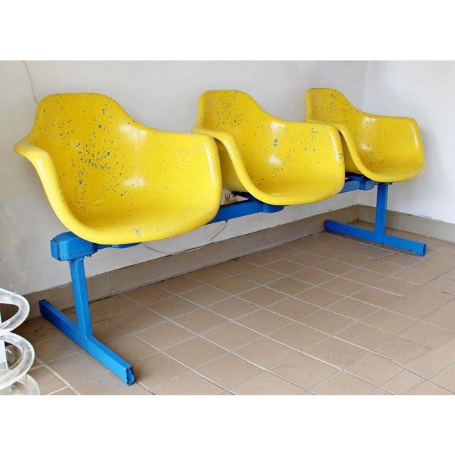 Mid-Century Modern Vintage Krueger Mid Century Modern Metal Sculptural 3 Seat Tandem Bench For Sale - Image 3 of 9