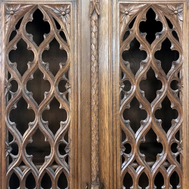 19th Century French Gothic Bookcase ~ Vitrine For Sale - Image 9 of 13