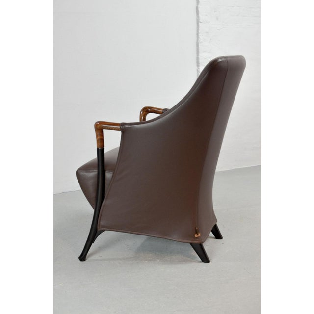 Giorgetti Mid-Century Modern Italian Design Seal Brown Leather Lounge Chair 'Progetti' by Giorgetti, 1980s For Sale - Image 4 of 13