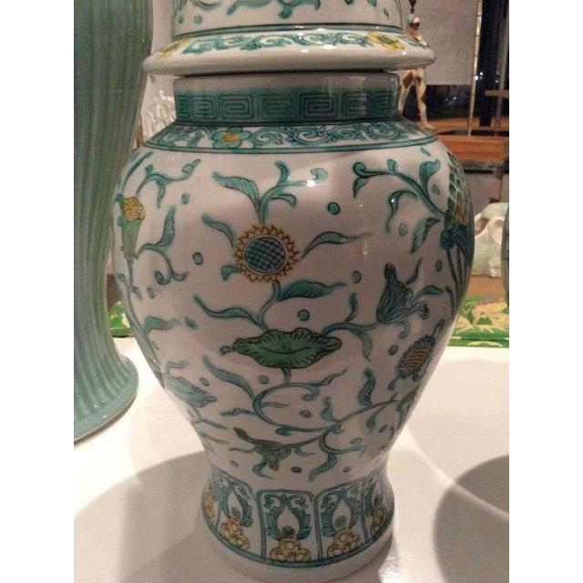 Vintage Green Asian Oriental Greek Key Hollywood Regency Ginger Jars - a Pair For Sale - Image 4 of 11