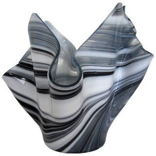 Black and White Handkerchief Vase in the Style of Venini For Sale