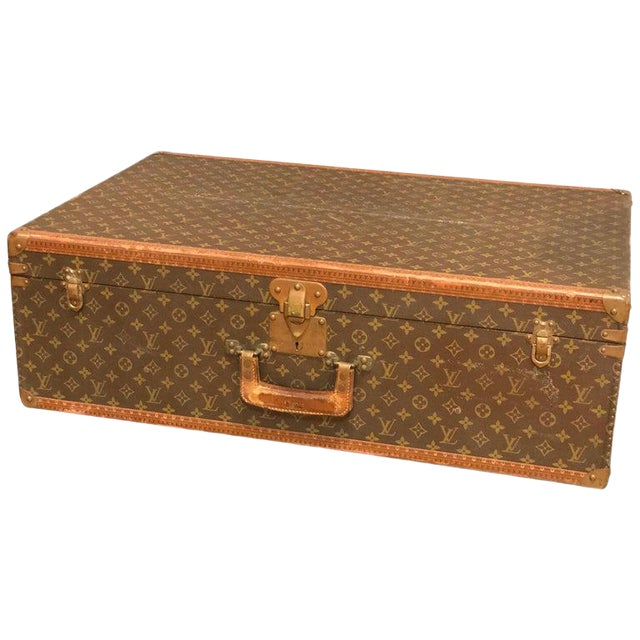 Louis Vuitton Suitcase in the Iconic Monogram Canvas For Sale