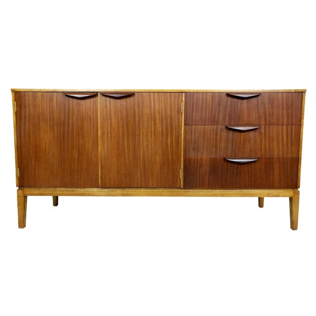 Mid-Century Modern Wood Credenza For Sale - Image 11 of 11