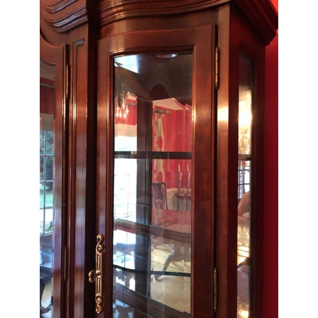 Bernhardt Mahogany Breakfront China Cabinet For Sale - Image 9 of 12
