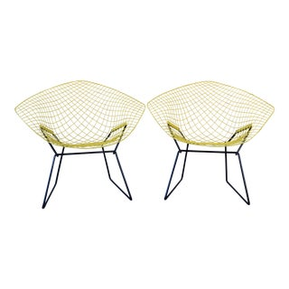 1960s Vintage Harry Bertoia for Knoll Diamond Chairs- A Pair For Sale